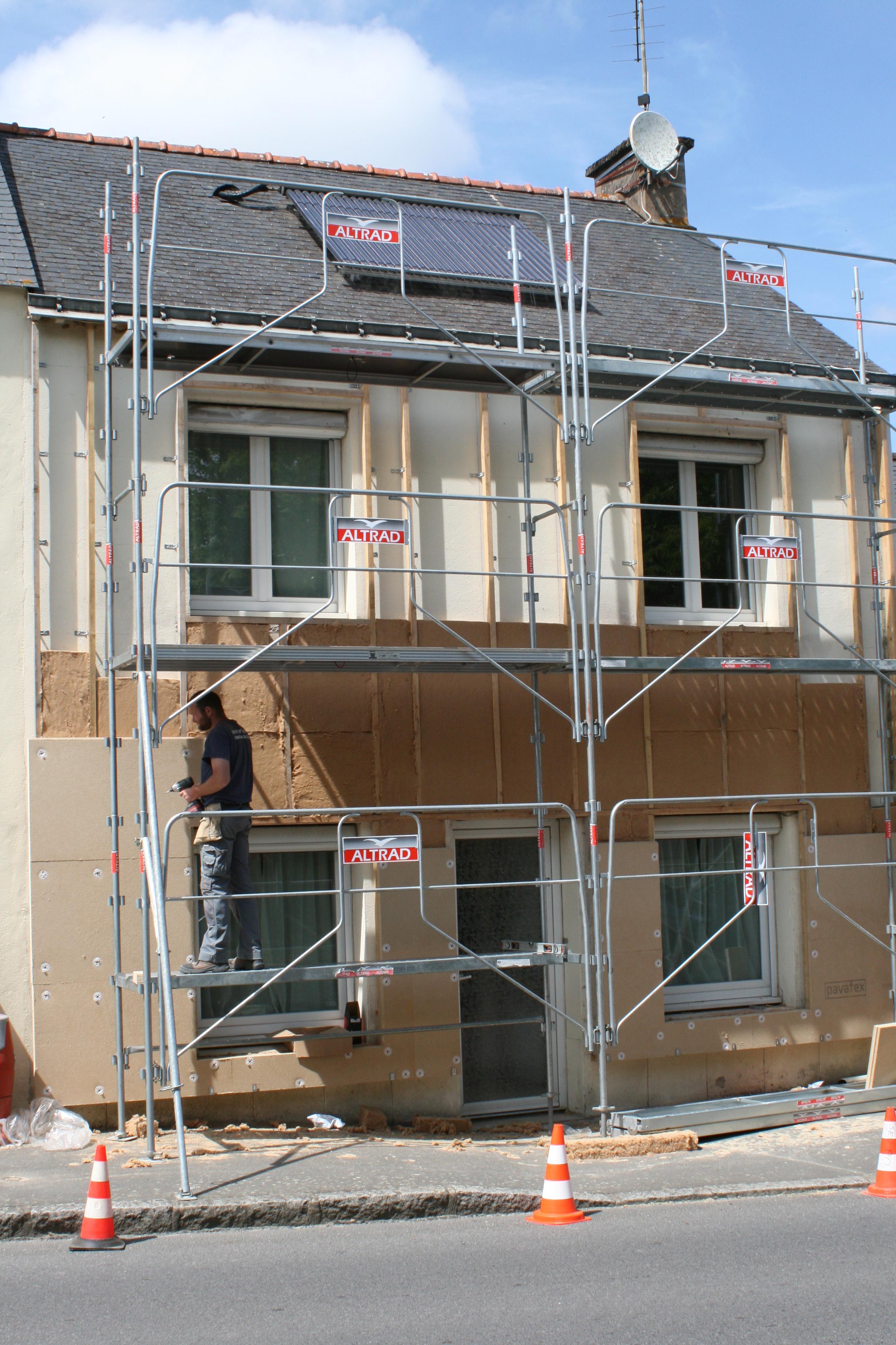 isolation par l exterieur ite une maison des ann es 60 70 isol e en tinatur. Black Bedroom Furniture Sets. Home Design Ideas